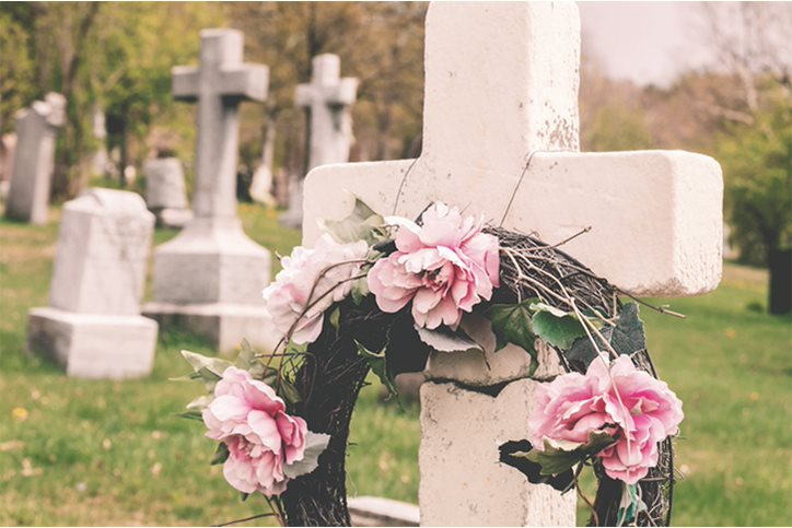 Personalizing Gravesites The Dos And Don Ts Of Cemetery Decorations